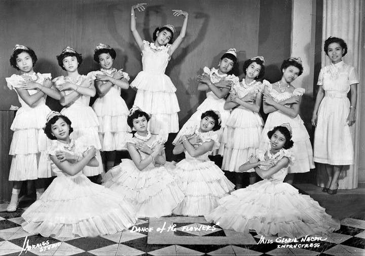 web.danceflowers1954.jpg